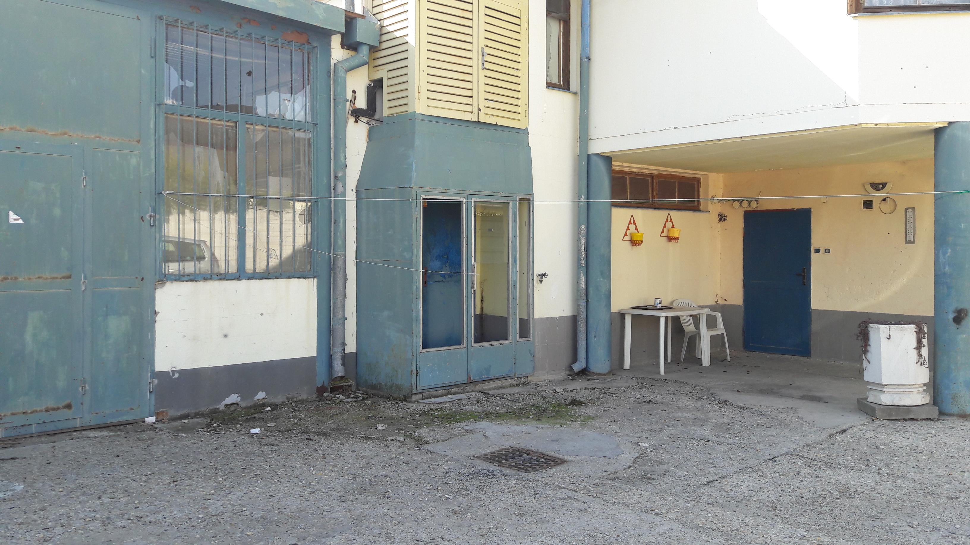 Na prenájom garáže v Galante