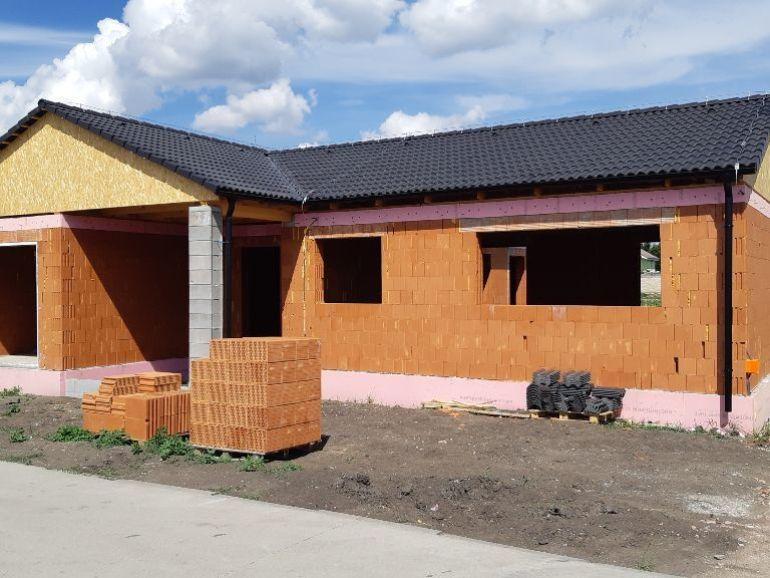 Na predaj 4-izbový rodinný dom s garážou Galanta