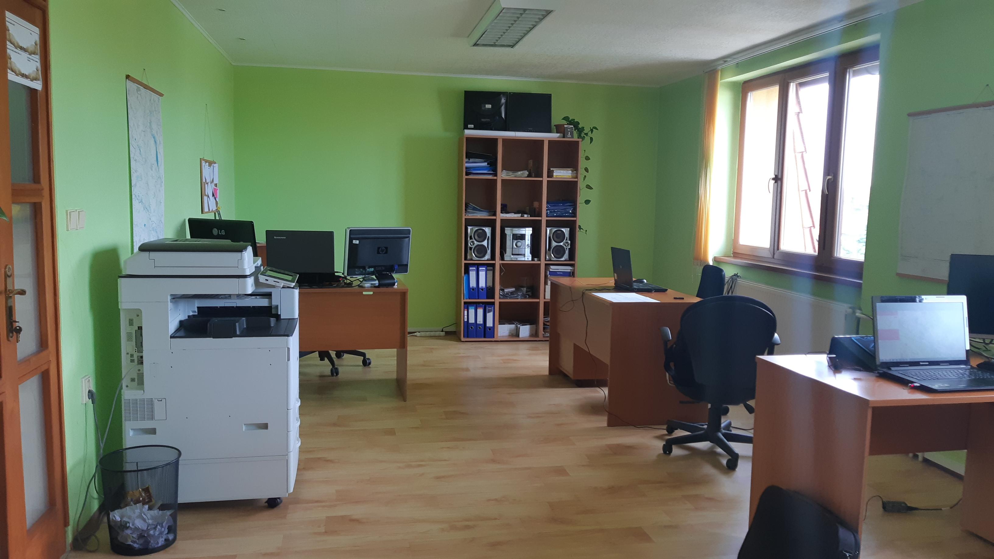 Prenájom kancelárskeho priestoru 80 m2 Galanta /centrum/