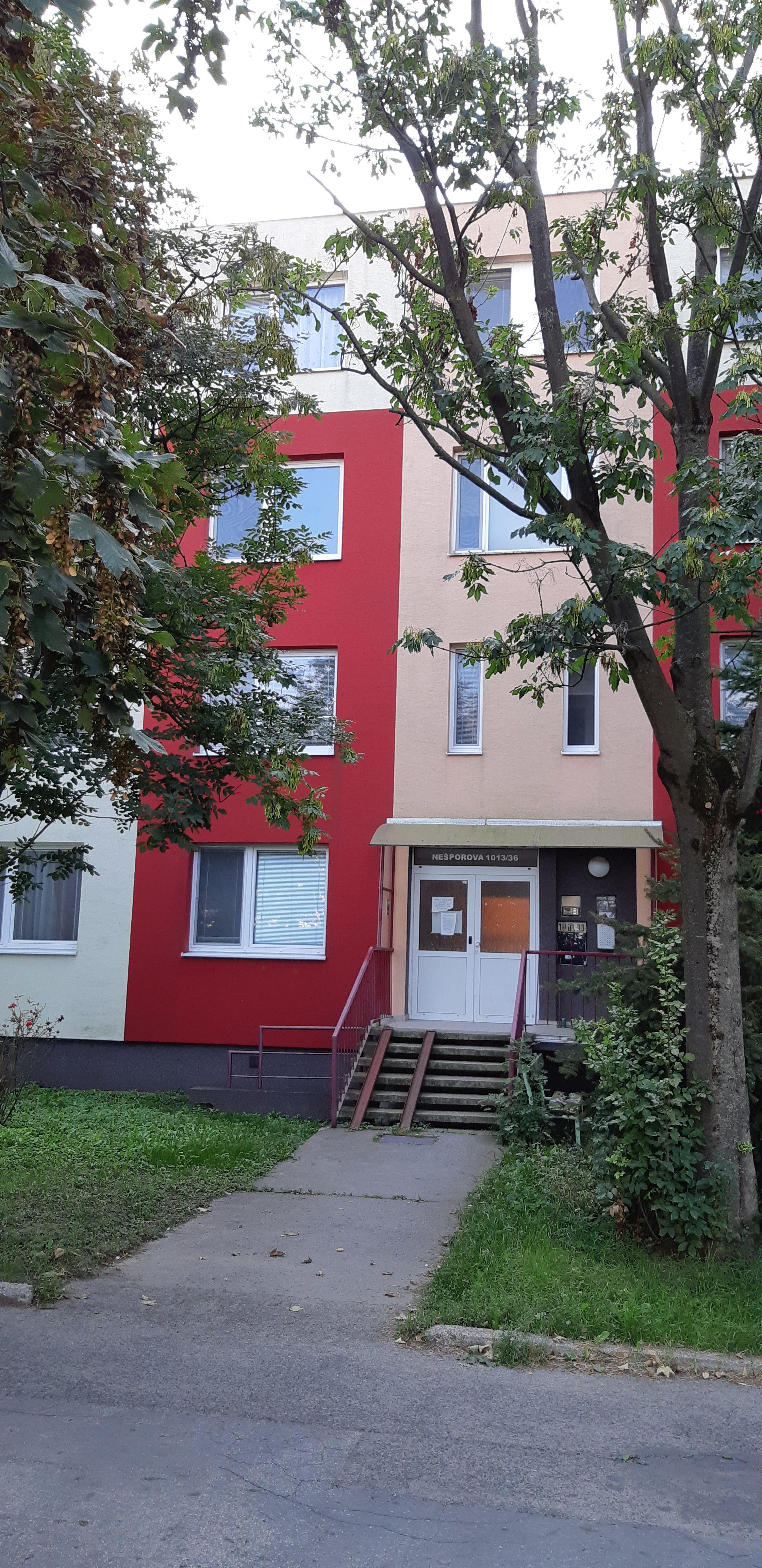 Na prenájom 3-izbový byt Šaľa, Nešporova ulica